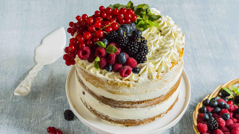 NAKED CAKE SENZA GLUTINE al CIOCCOLATO FONDENTE, MASCARPONE e FRUTTI di BOSCO